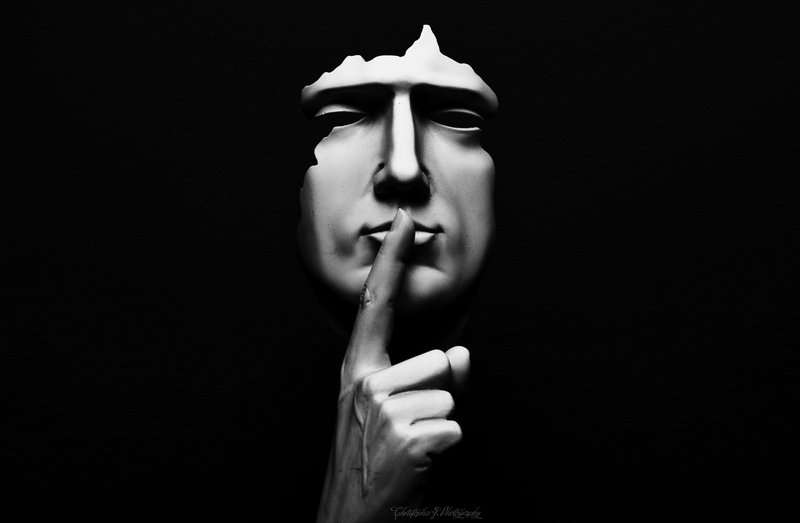 خواننده Shhhhhh….. | The Odd and Unmentionable